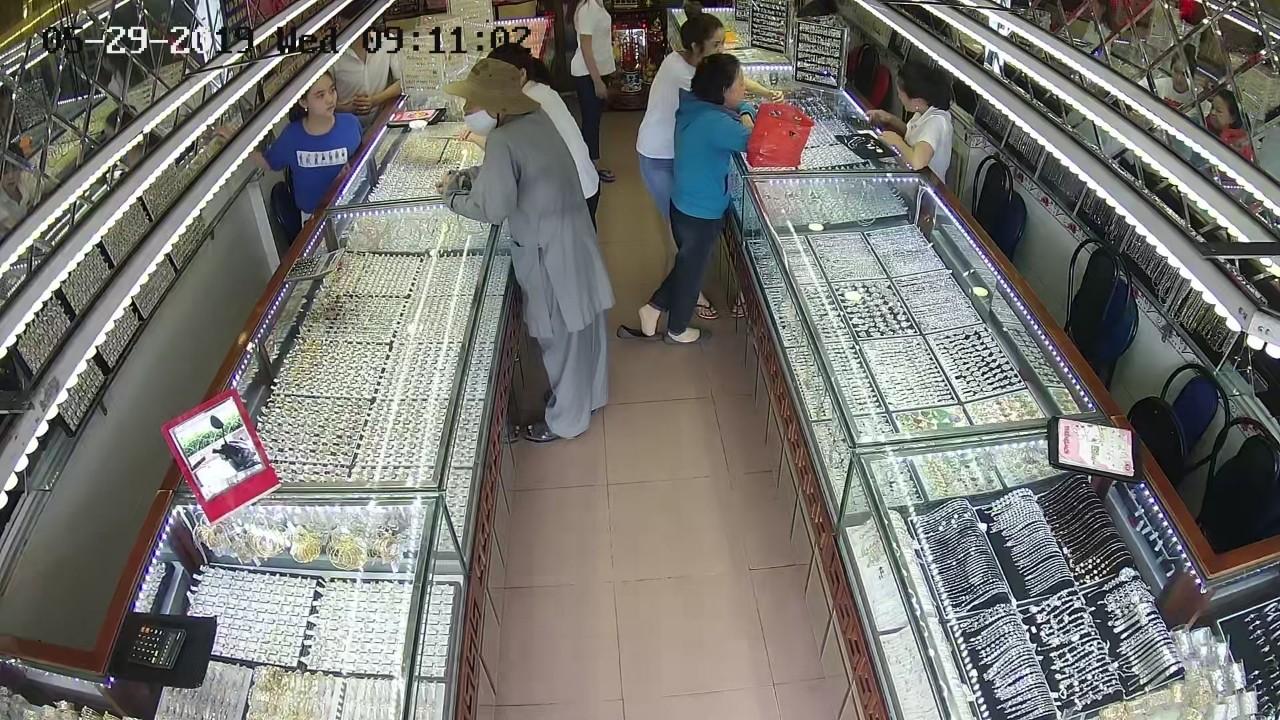 tiệm vàng 2